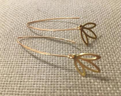 עגילי עלים זהובים - עגילים נופלים עם עלה - עגילים עדינים מושלמים
