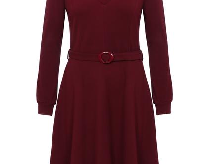 שמלה חורפית בצבע בורדו עם חגורה במותן וצווארון (זינה)
