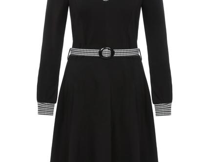 שמלה חורפית בצבע שחור עם חגורה במותן וצווארון (זינה)