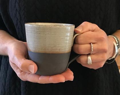 ספל קפה גדול מקרמיקה בצבע שחור-שמנת | ספל שוקו | כוס ענקית | מתנה מפנקת