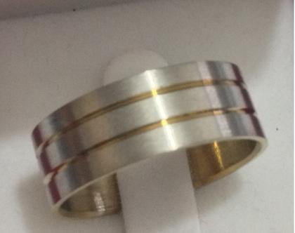 # טבעת טיטניום דגם LIN2010|טבעת לגבר |טבעת לאשה |טבעות נישואין |טבעות אירוסין |מתנה ליום נישואין |מתנה ליום האהבה |טבעת הצעת נישואין |