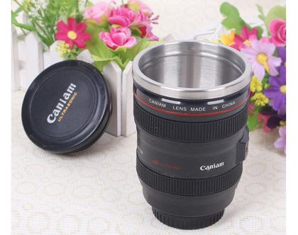 כוס בצורת עדשת מצלמה