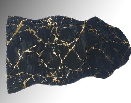 שטיח פרווה שחור עם עיטורי שיש זהב [CLONE]