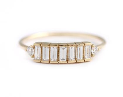 טבעת שורת יהלומים - טבעת אירוסין ארט דקו משובצת יהלומי באגטים