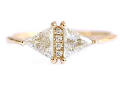 טבעת משולש יהלום וינטג '- האירוסין הגיאומטרי
