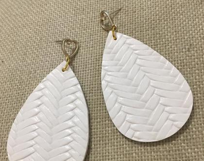 עגיל עור לבן - עגיל טיפה לבן - עגילי טיפות לבנות