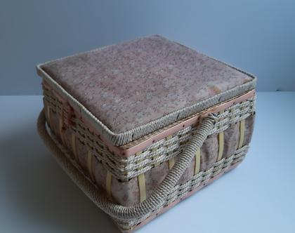 קופסת תפירה:כלי תפירה:ארגז לכלי תפירה:מלאכת יד:עבודות יד קופסה לחוטי תפירה :חוג תפירה.