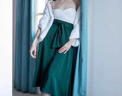 מכנסיים לערב בגזרה גבוהה עם מותן קשירה בצבע ירוק בקבוק
