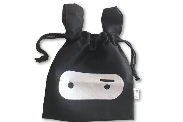 תיק ארנב שחור