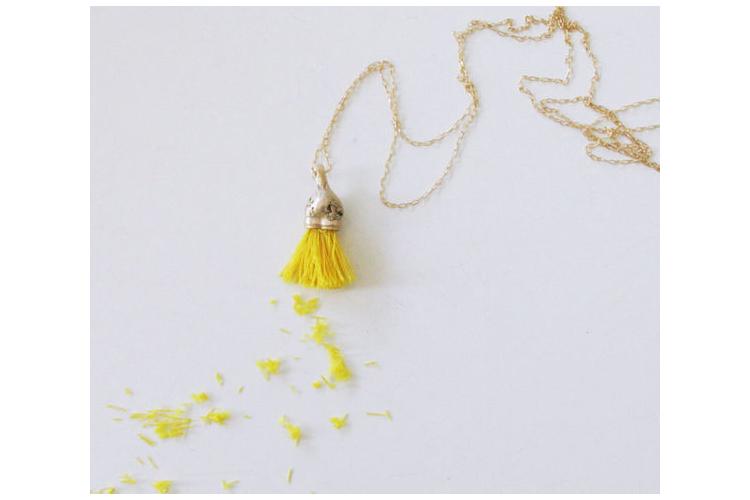 תליון פרי אקפילטוס זהב בכמה צבעים לבחירה