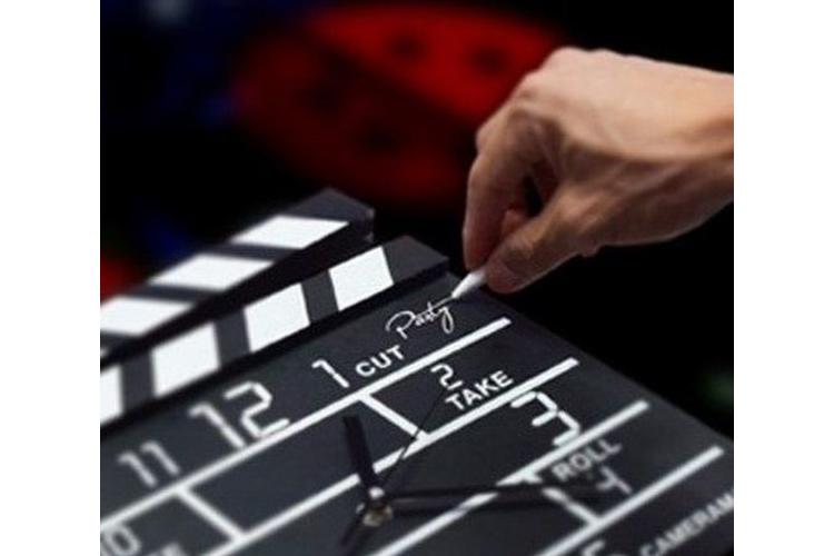 שעון קיר מהסרטים שעון קלאפר