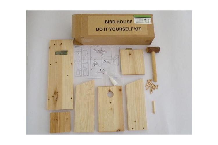 """ערכת בניה לתיבת קינון עץ נקי גג נפתח דגם """"אלה"""""""