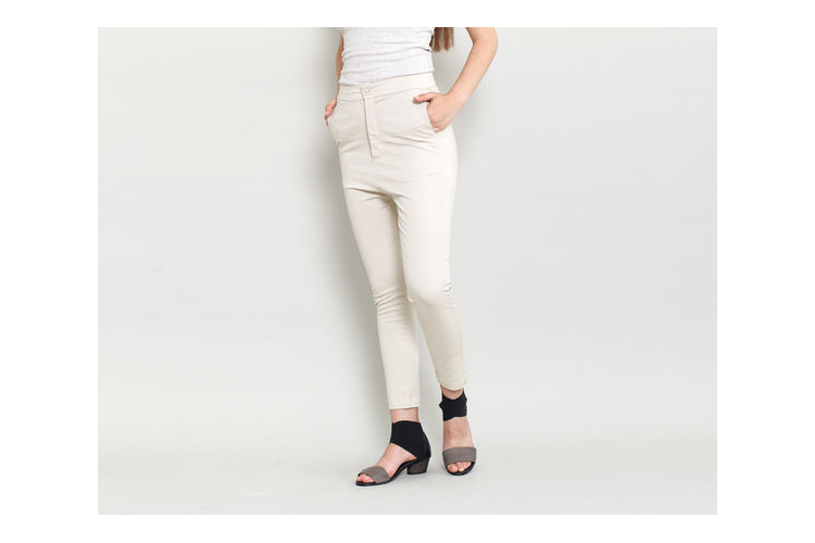 מכנס 7/8 , מכנס עם כיסים , מכנס צמוד , מכנס גבוה