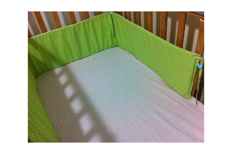 מגן ראש מיטת תינוק דגם נקודות