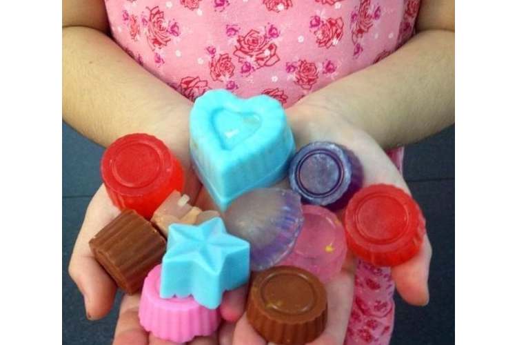 ערכה להכנת סבון DIY| ערכת סבונים | סבונים מעוצבים | קיט סבונים | מתנה לילדים | הפעלה לילדים | ערכת יצירה | יום הולדת | יצירה לחופש הגדול