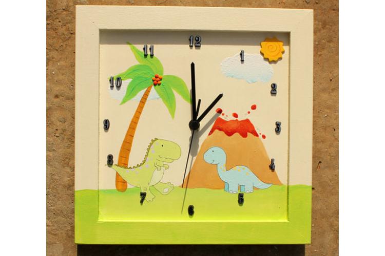 שעון קיר לחדר ילדים - דגם: דינוזאורים והרי געש