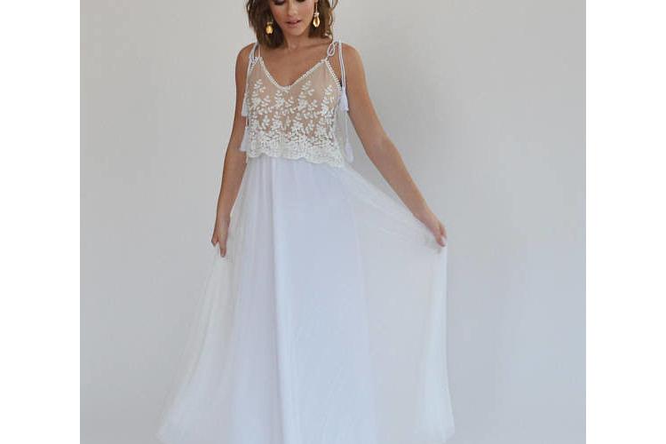 שמלת כלה בוהו שיק עם טופ תחרה