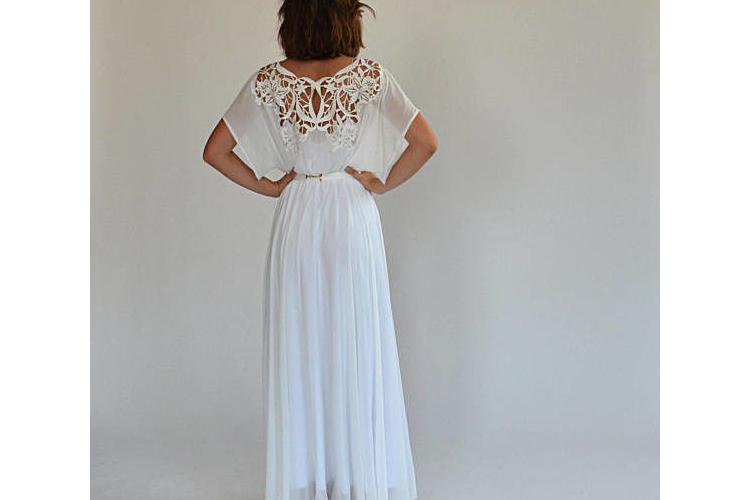 שמלת כלה רומנטית עם רקמה