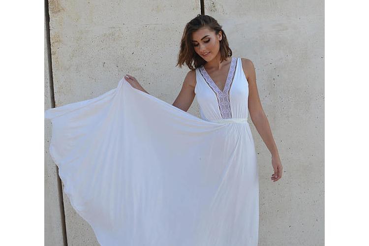 שמלת כלה רומנטית ווי תחרה