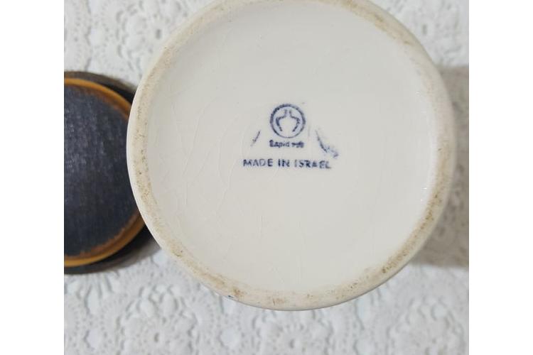 קופסת איחסון לתה קרמיקה ישראלית תוצרת לפיד שנות השישים.