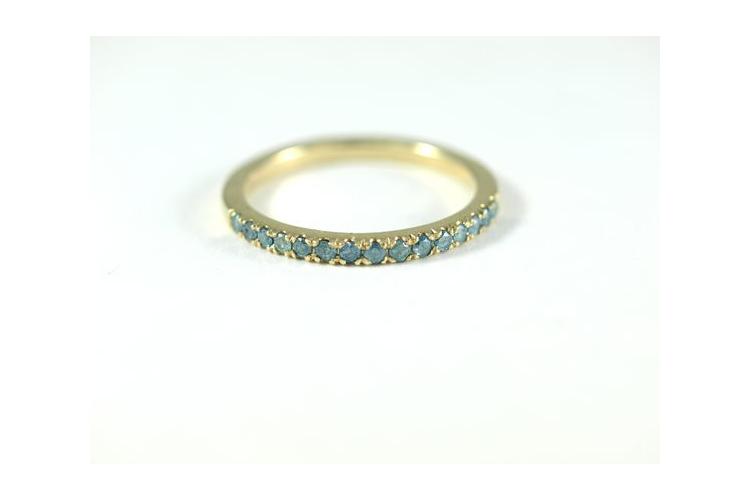 טבעת זהב   תכשיטי מעצבים בתל אביב   אבן רובי   טבעת אירוסין משובצת   טבעת חותם משובצת   טבעת מעוצבת   אורה דן תכשיטים  