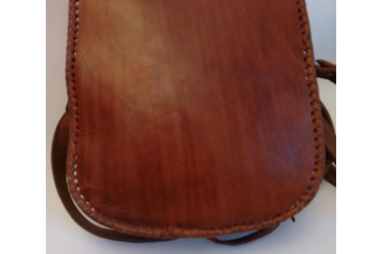 תיק עור קאמל רקוע 30% הנחה | תיק עור ריקועי תחרה בעבודת יד | תיק צד וינטג' עור קאמל