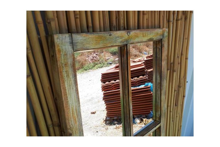 מראה מיוחדת ממסגרת של חלון ישן - מחולקת ל-6 - בסגנון וינט'ג