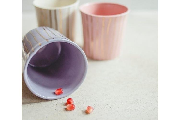 כוס סגולה, כוס זהב, כוס לשתייה, כוס תה מעוצבת, מתנה לקפה, כוס פורצלן, כוס חרסינה, כוס זהב, כוס לקפה, מתנה לחג