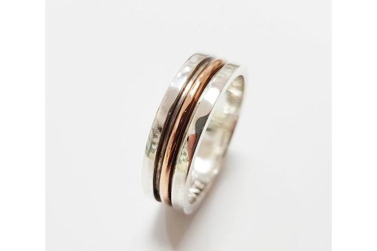 טבעת נישואין לגבר  טבעת כסף 925 ושילוב זהב 14K לגבר   טבעת לגבר