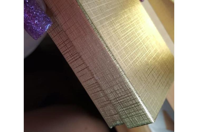 קופסאות צבע זהב   אריזות צבע זהב