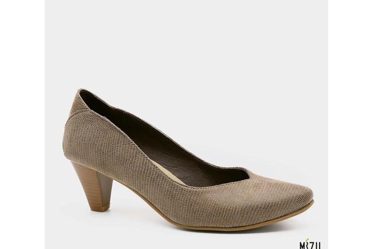 """נעלי עקב בצבע קאמל, גובה עקב 6 ס""""מ. דגם 486111"""