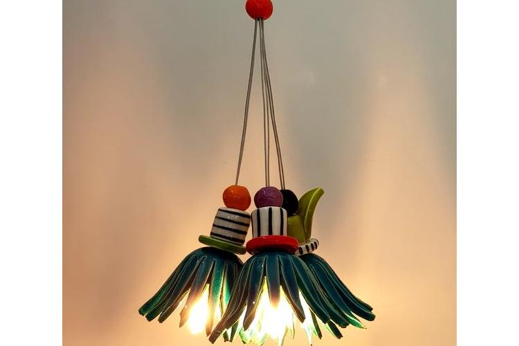 מנורה פרחונית צבעונית תאורת אווירה דקורטיבית