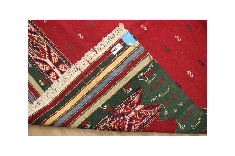 שטיח פרסי צמר קילים 220/143 עבודת יד גדול לסלון חדר ילדים אריגה מקורית ייחודי בעיצוב מקורי בלעדי וינטג' גדול צבע ירוק אדום גודל 220/143