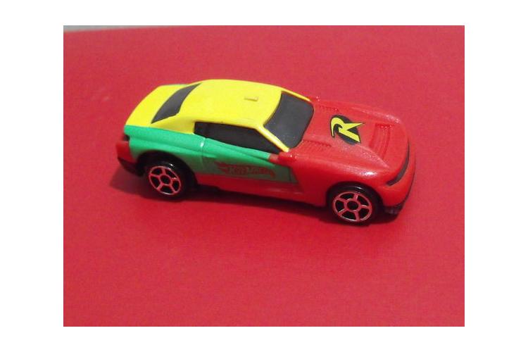 מכונית מרוצים ספורט צעצוע וינטג' אדום ירוק צהוב ויטנאם פלסטיק מתנה לילד / ילדה קלאסית