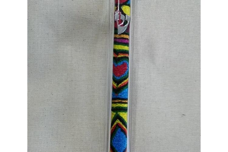 מזוזה אתיופית אבקלש, רקמה אתיופית, אומנות אתיופית, רקמה בעבודת יד, בית מזוזה בעבודת יד, בית מזוזה רקום, מתנה בעבודת יד