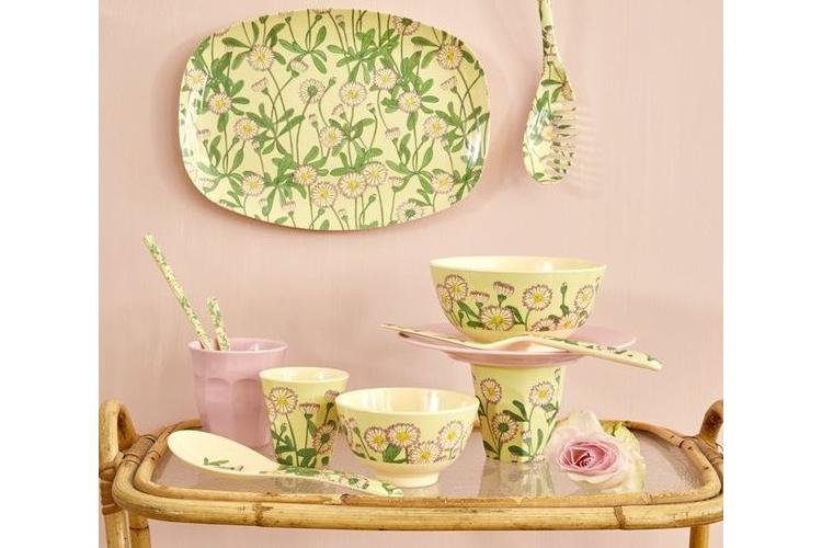 כוס מלמין טוטון חרצית ברקע ירוק מנטה | RICE DK | SOFI