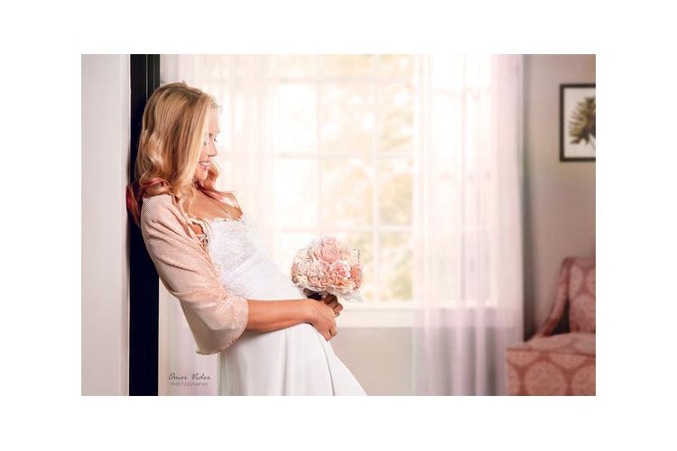 עליונית לכלה I שרוולון פליסה מנצנץ בצבע שמפניה I עליונית לחתונה בצבע שמפניה