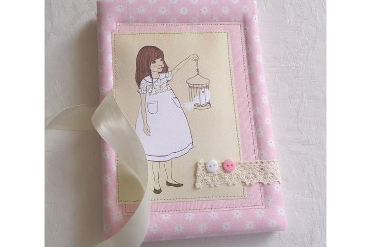 משלוח מייד!!! מחברת מעוצבת / דגם הילדה והיונה / ספר זכרונות מעוצב / מתנה לילדה