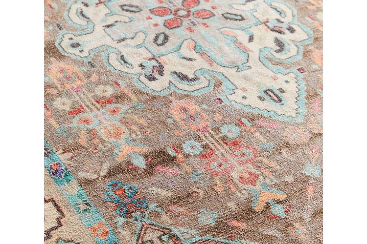 שטיח בוהו בגוונים רכים