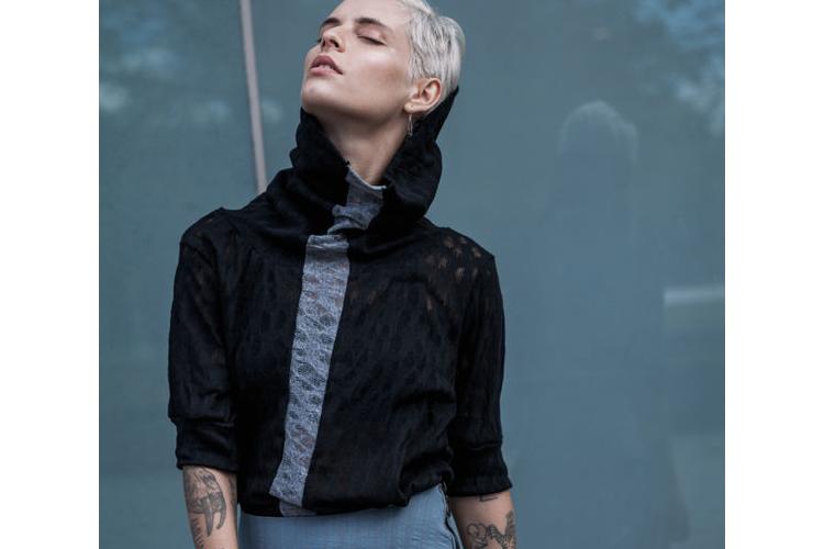 חדש!טי שירט גולף, צוורון ענק, חולצה שחורה עם פס אפור. חולצה אוברסייז שחורה, חולצה כותנה