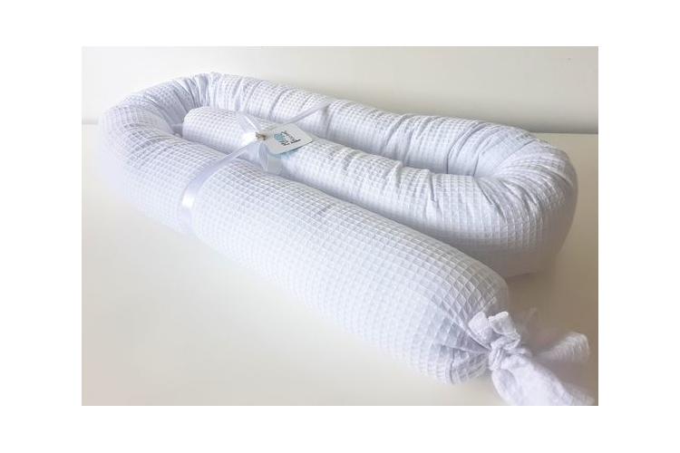 נחשוש פיקה לבן   כרית נחש   נחשוש שקד   מגן ראש למיטת תינוק   מתנה ליולדת   עבודת יד