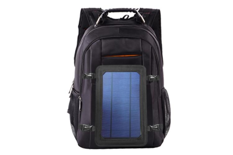 תיק גב עם פנל סולרי להטענת מכשירים