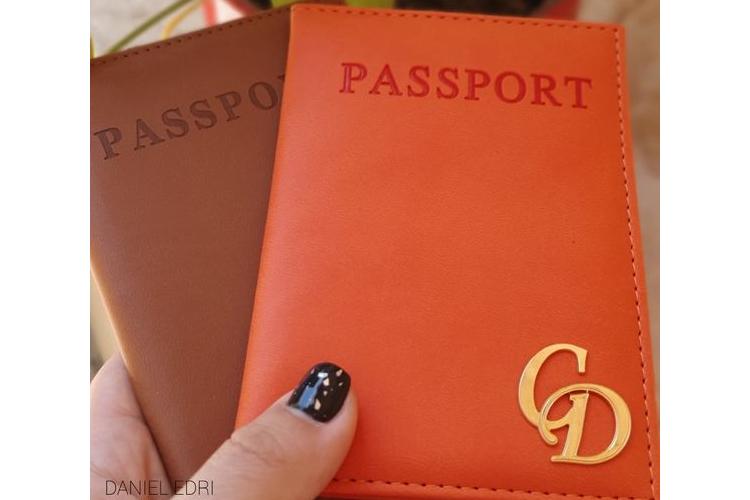 כיסוי דרכון 2 אותיות- כסף