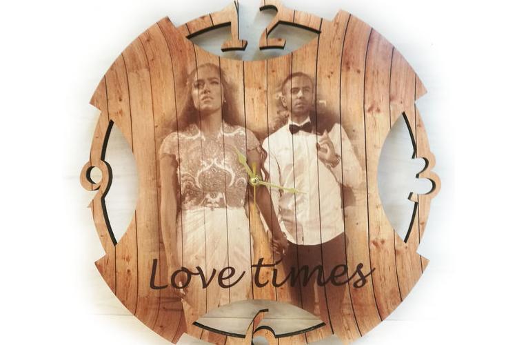 שעון 'מעגל' עץ
