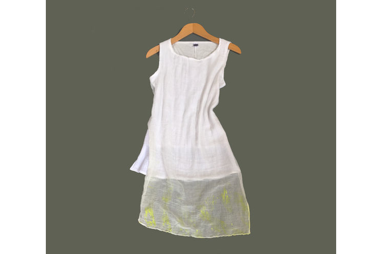 חולצת טוניקה שכבות כותנה דקות. מכותנה לבנה ארוכה.(לא שקוף באיזורים הנכונים)