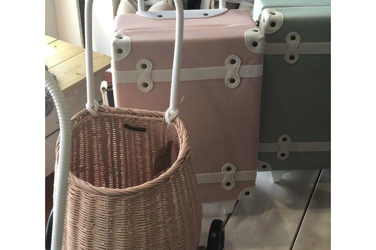 סל לילדים ורוד עם גלגלים/ ילדים / אקססוריז לבית / מתנה יפה לתינוק