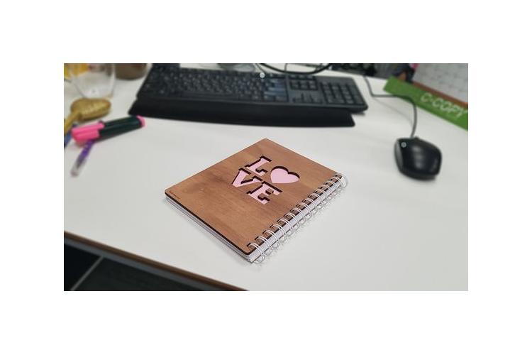 מחברות מעוצבות - גימור אגוז