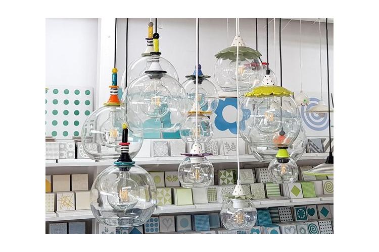 שנדליר - שנדליר צבעוני - נברשת צבעונית - שנדליר קטן - גוף תאורה מיוחד - מנורה צבעונית - גוף תאורה צבעוני