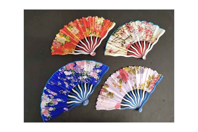 מניפה פלסטיק יפנית   מניפת פרחים מיוחדת   מניפה קימונו