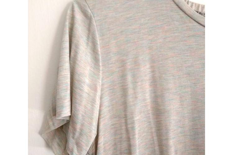טישרט ורודה עם כיווץ בעורף, חולצה קצרה, חולצה מיוחדת, טישרט יפה
